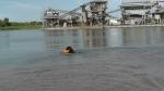 Jack und der Sprung ins Wasser
